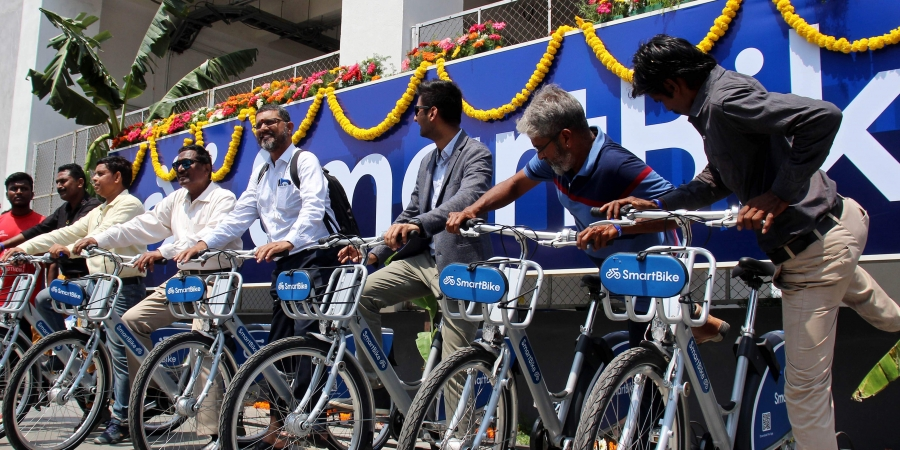 Palaniswami inaugurates cycle-sharing system in Chennai